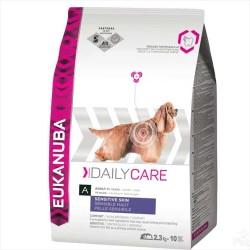 Eukanuba - Eukanuba Sensitive Skin Köpek Maması 12 KG